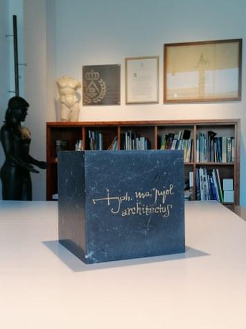 Archive Series - 1 : Josep Maria Jujol : Primer premio ex aequo de escritura para el profesor Guillem Carabí